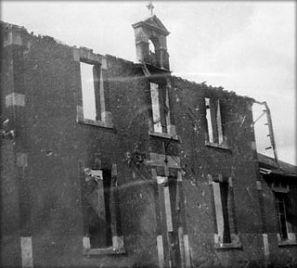 Façade de l'école route de Pouzauges - Cerizay - août 1944 © Archives Départementales des Deux-Sèvres